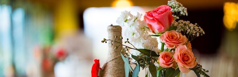 Da decoração à lembrancinha: garrafinhas de bebida fazem sucesso nas festas!
