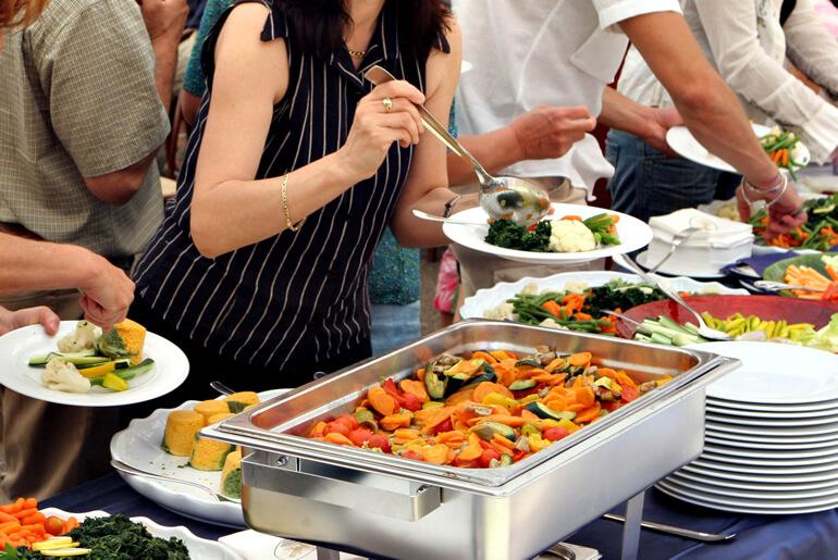 Como montar um buffet? 5 alimentos que você deve ignorar